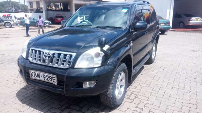 Toyota Landcruiser Ltd 120 series diesel kes 1.5m negotiable Nairobi CBD - image 5