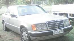 1989 Mercedes Benz 200e GOOD CONDITION!