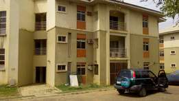 3 bedrm flat hillview estate gaduwa frsale!!