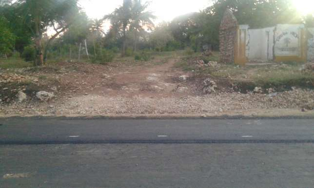 1.25Acre For Sale Near Sultan Palace Mombasa Kikambala Mtwapa - image 1