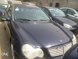 Very clean used Mercedes Benz C200 kompresor with full option