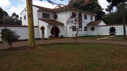 Rosslyn-Delightful 5Bedroomed Double storey residence for rent.