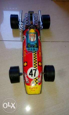 Rare vintage team lotus 49 ford f1 racer tin toy car برج حمود -  1
