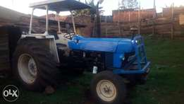 New Holland tractor5630