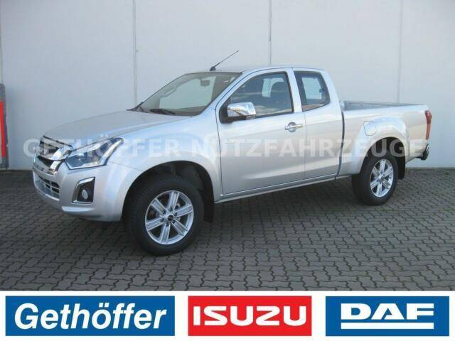 Isuzu D Max Space Cab Custom AT Euro 6 AHK Last 3,5 t