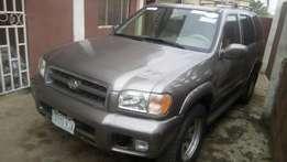 Clean Nissan Pathfinder jeep for sale