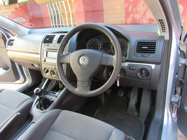 Jetta 5 in good condition at Mahikeng North West Johannesburg CBD - image 3