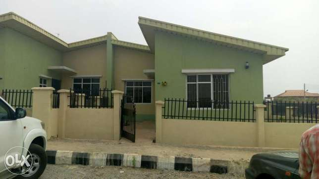 Two bedroom flat for rent adegun estate laaderin Abeokuta South - image 1