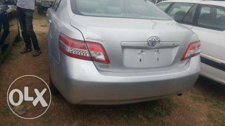 Toyota Camry 2010. Very Clean Leather Interior. 4 cylinders Ibadan South West - image 3