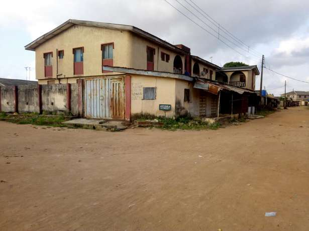 Building of six unit of three bedroom at Ikotun/igando Alimosho - image 1