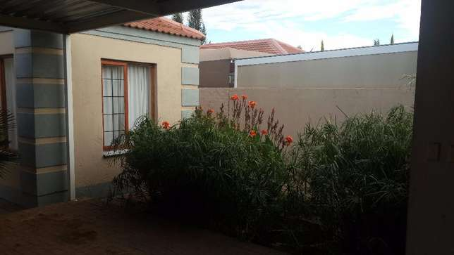 3 Bedroom townhouse to rent in LHP Bloemfontein - image 2