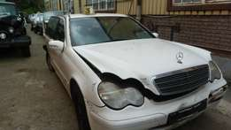 Stripping for parts MERCEDES C180 KOMPRESSOR W203