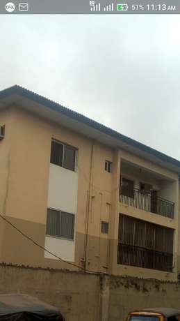 Three bedroom up for rent in Ire-akari estate Isolo. Isolo - image 2