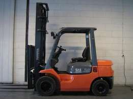 Available Totyota 1.8 and 2.5 T forklift