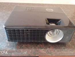 Dell 1430x video projector