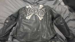 Icon leather jacket, limited edition and skulls sparkz helmet