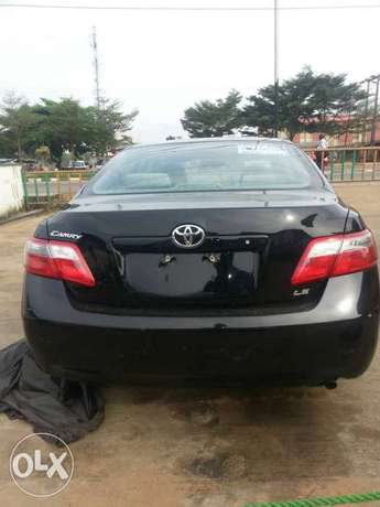 Clean toks 09 camry Ojo - image 3