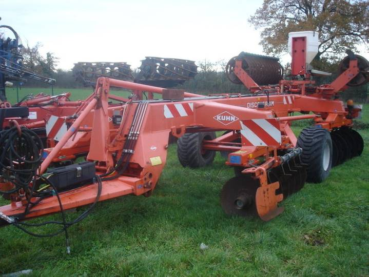 Kuhn cover crop discover xm - 2005