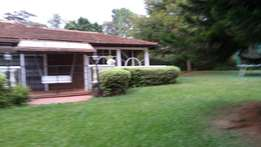 Lake view house to let