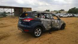 FORD KUGA 5Dr Stripped parts R11