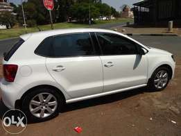 VW Polo 6 1.6, 2013 model, white in colour cars for sale