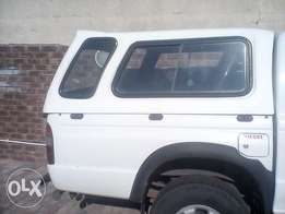 Ford ranger canopy for sale ,2003 model,it also fits on Mazda bakkie