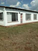 Lovely two bedroom cottage to rent on farm in Lanseria