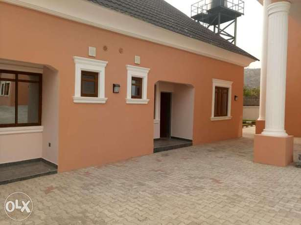 Standard brand new four bedrooms serviced duplex at diploma zone Abuja Abuja - image 6