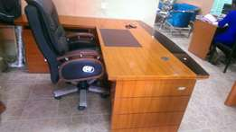 Executive Office table 1.6 metres with reclined chair