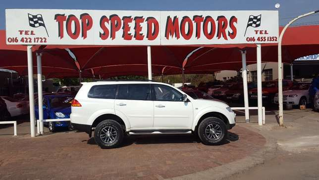 Mitsubishi Pajero 3.2 DID Sort 4X4 A/T Vereeniging - image 1