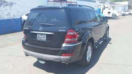 Mercedes Benz Jeep GL450 in great condition for sale!