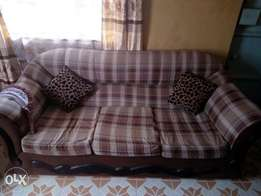 Clean 7 Seater sofa set good as new.