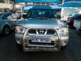 Nissan Hardbody 2.4 2011 Model NP300