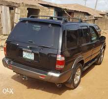 A super clean 2002 Nissan Pathfinder Jeep auto gear for sales