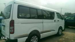 Toyota hummer bus 3