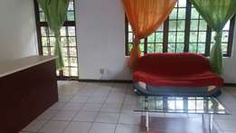 Bryanston - Lovely furnished 2 bed 2 bath cottage to rent