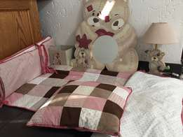 Baby linen and decor