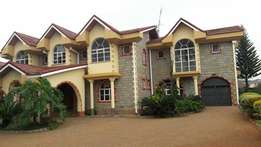 4bedroom house ensuite + dsq own compound at Garden estate UN approved