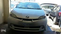 Toyota wish fully loaded 2011 7s4bh