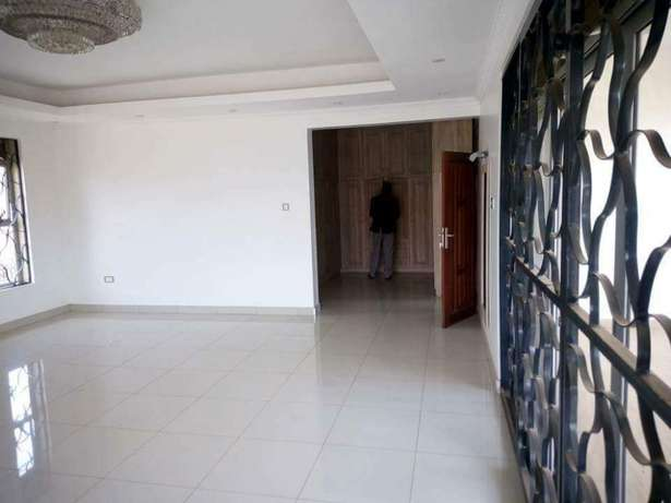 6 bedroom house for sale in Runda Runda - image 4