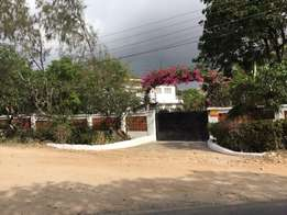 Nyali Greenwood 2.5 acres land with 4 bedroom maisonette for Sale