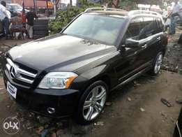 Accident free 2011 Mercedes Benz GLK350 4matic. Lagos cleared