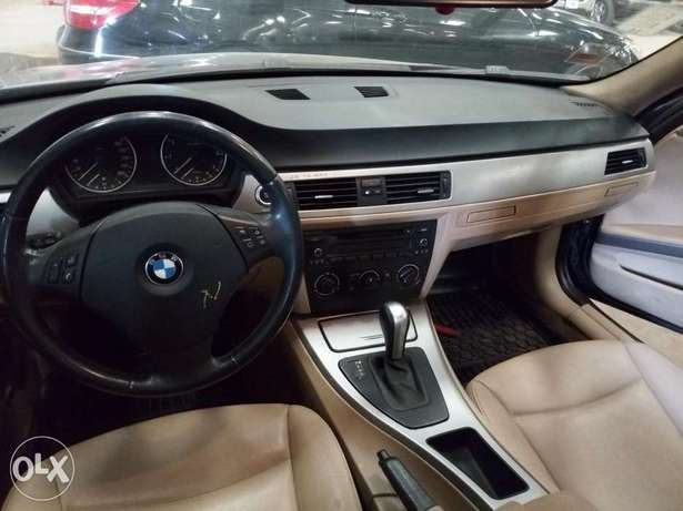 Extremely Clean BMW 3i Series Alausa - image 4