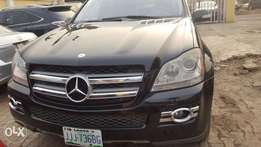 Super clean GL450 Mercedes-Benz 2008(brought brand new)