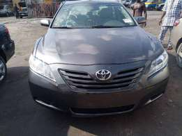 Toks Very clean Toyota Camry LE.2007 model.Leather seats .price 2.750m