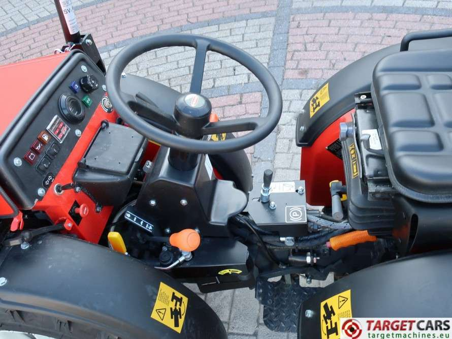 Goldoni Base 20SN Tractor 4WD Diesel 20.4HP NEW UNUSED - image 9