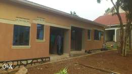 A very nice two roomed house for rent in mutungo biina