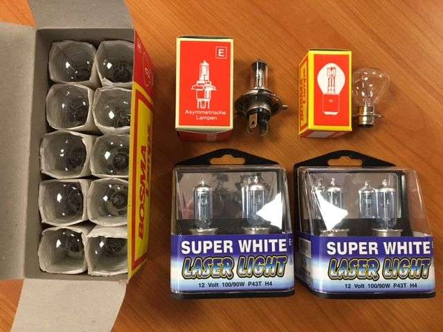 Universeel €0.08 pp 300.000 lamps, perfect for trading. front, rear...