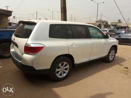 A Lagos cleared 2013 Toyota Highlander