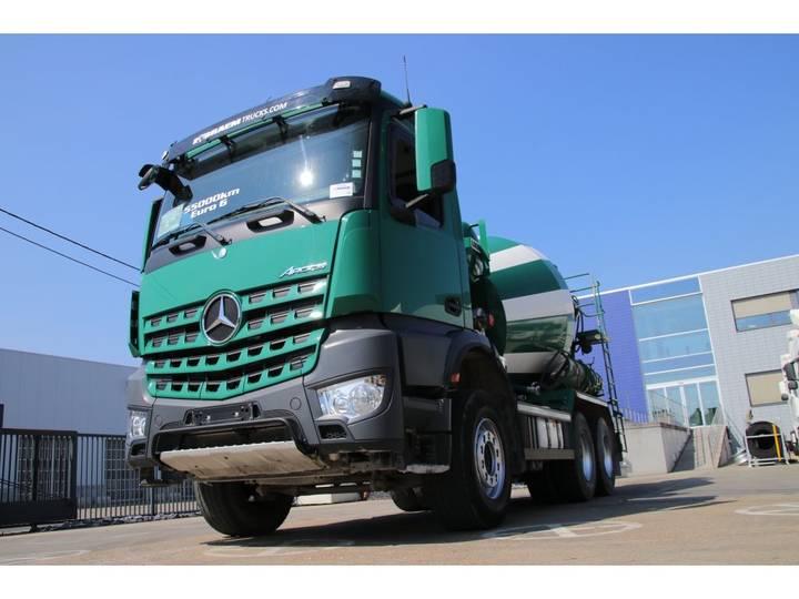 Mercedes-Benz AROCS 3336 B - LIEBHERR 7m3 - 2015